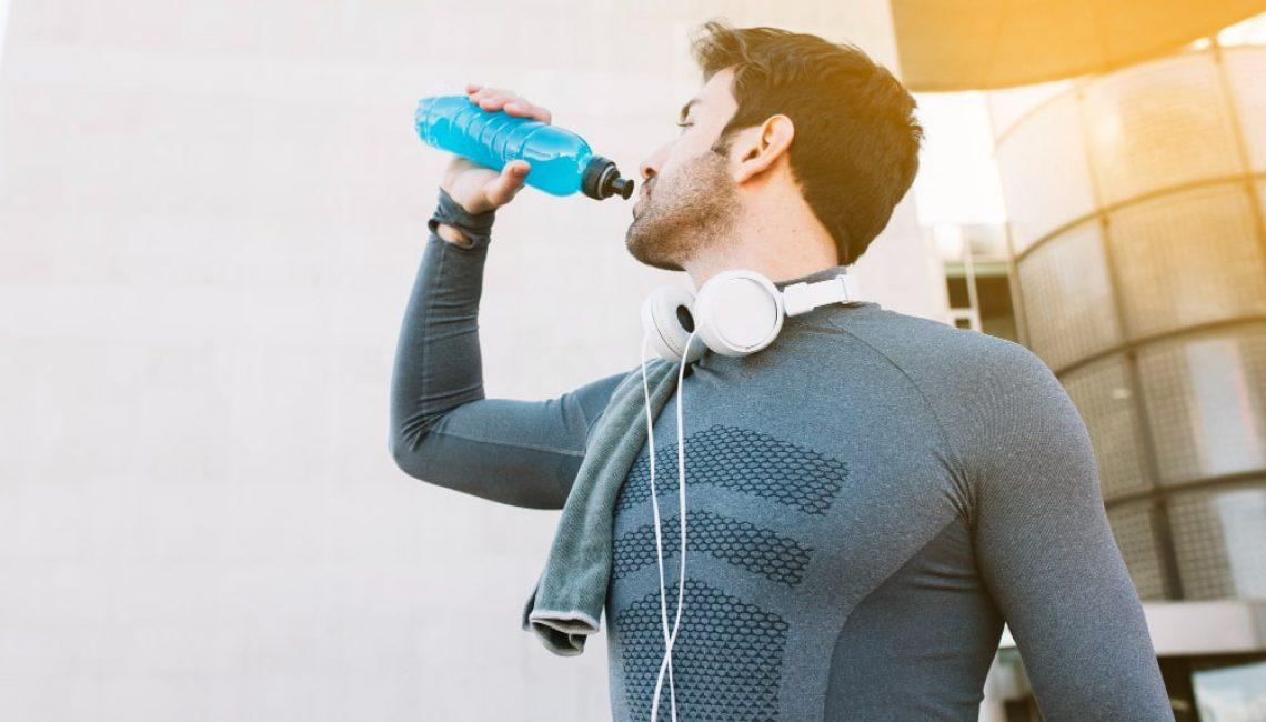 sportsman-drinking-water (1)-min